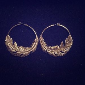 ✨Gold Feather Earrings✨